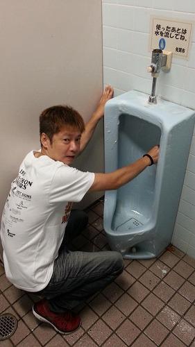 佐賀の公衆トイレ掃除